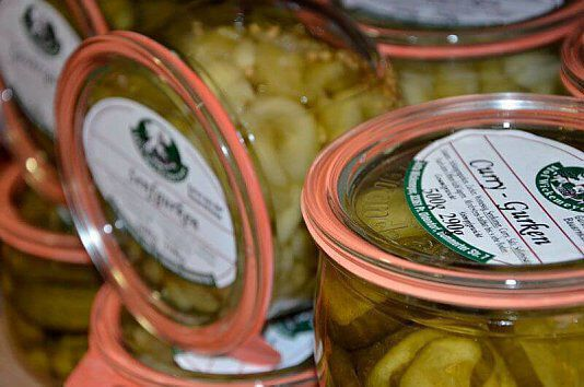 Senf- und Curry-Gurken vom Hof Wickemeyer